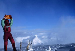 4 - Cho Oyu, (8.201m) 28 setembre 1996 junt alpinista austriaco Sebastian Ruckesteiner obren vía Free Tibet en el Cho Oyu
